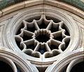 Duomo di firenze, medaglioni intarsiati in marmi nei timpani delle finestre sui fianchi 20,1.jpg