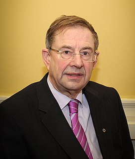 Éamon Ó Cuív Irish politician