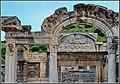 Efeso 8 - Il tempio di Adriano - panoramio.jpg