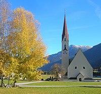 Elbigenalp Pfarrkirche.jpg
