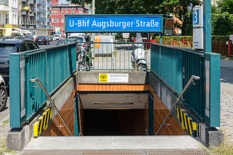Augsburger Straße (Berlin U-Bahn) - One of the entries to the station