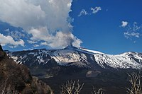 Etna April 2011 Eruption - Creative Commons by gnuckx.jpg