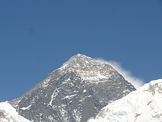 Mount Everest in 2017 - Mount Everest, mostly the south-east face