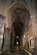 Exeter Cathedral (St. Peter) (15380725041).jpg
