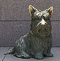 Fala, part of figure group at Franklin Delano Roosevelt Memorial.jpg