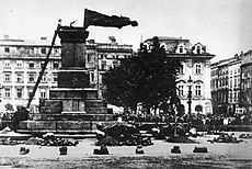 Fall of Mickiewicz Monument (1940).jpg