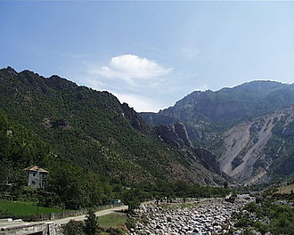 Mirditë District - Image: Fan Canyon 32