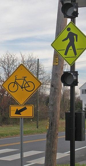 Edgar Felix Bikeway - Crossing lights along Route 18 spur