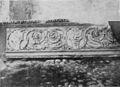 Fig 151, castello di fontanetto d agogna, fregio di camino già nel castello, p227, foto Nigra, nigra il novarese.jpg