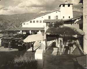 La Cañada Flintridge, California - The Flintridge Biltmore Hotel around 1927. Now the Administration Building at the Flintridge Sacred Heart Academy.