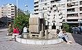 Fontaine-sculpture du carrefour de Villereuse.jpg