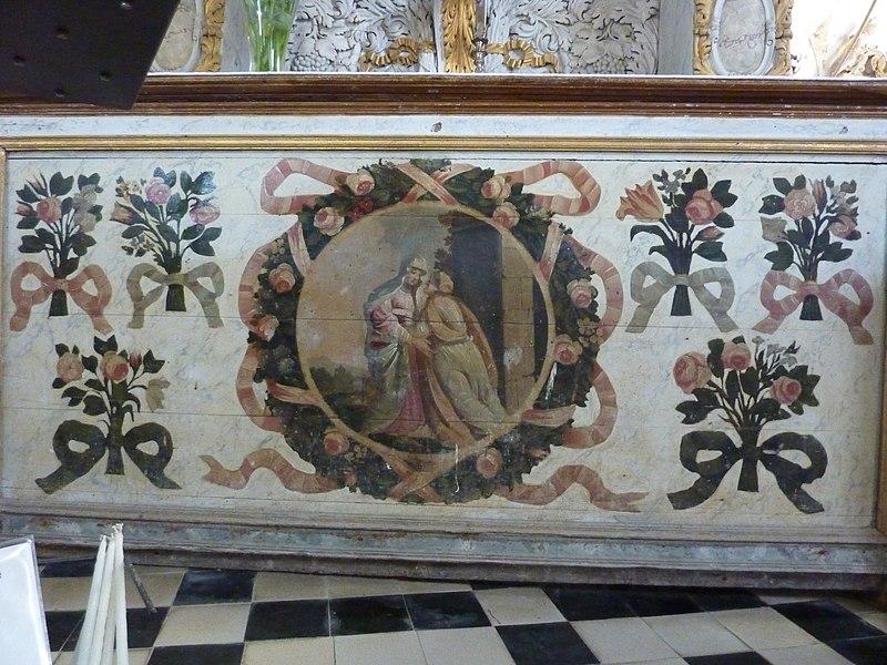 Église de Saint-Loup, Manche, France. Bas de l'autel de la vierge.