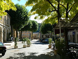 The centre of the village of Ispagnac