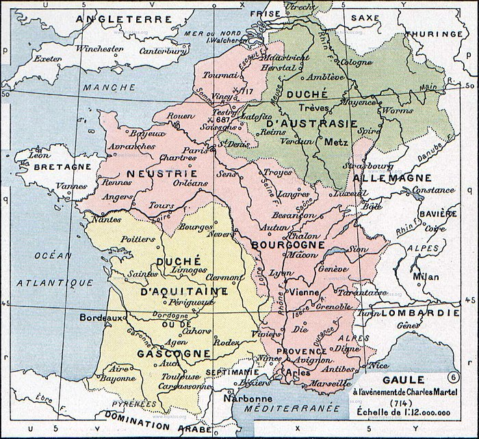 The Frankish kingdoms at the time of the death of Pepin of Heristal. Aquitaine (yellow) was outside Arnulfing authority and Neustria and Burgundy (pink) were united in opposition to further Arnulfing dominance of the highest offices. Only Austrasia (green) supported an Arnulfing mayor, first Theudoald then Charles. The German duchies to the east of the Rhine were de facto outside of Frankish suzerainty at this time. Francia at the death of Pepin of Heristal, 714.jpg