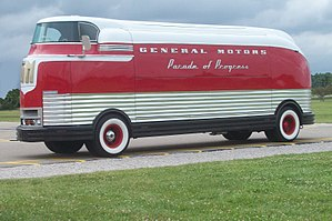GM FuturLiner at Flint 2011.jpg
