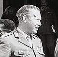 General Sir Richard Hull speaks to officers (cropped).jpg
