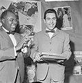 Gert Timmerman ontvangt gouden en diamanten plaat, Louis Armstrong en Gert Timme, Bestanddeelnr 917-8178.jpg