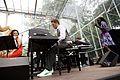 Giovanca, Lavinia Meijer en band tijdens het Nationaal Concert 2011 (5831621603).jpg