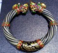 Gold elephant hair bracelet.png