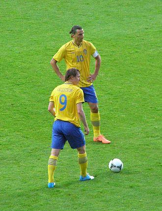 Kim Källström - Källström and Zlatan Ibrahimović preparing a free kick in May 2012