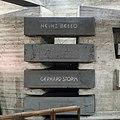 Gräber von Heinz Bello und Gerhard Storm, Xantener Dom, Krypta-9416.jpg