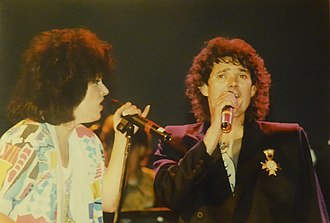 Starship (band) - Image: Grace and Mickey Onstage '80s (Dave Cackowski)