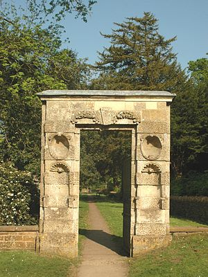 Great Tew - 17th-century gateway leading to St. Michael's parish church