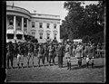 Group at White House, Washington, D.C. LCCN2016890646.jpg