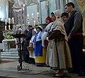 Groupe provençal lors de la veillée de Noël dans la cathédrale d'Orange.jpg