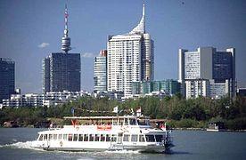 GuentherZ 2001 Schiff in Wien IMG0064