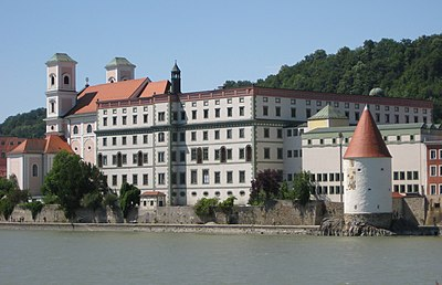 Gymnasium Leopoldinum Passau.jpg