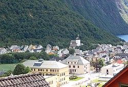 Høyanger med kirken II.jpg