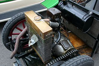 Hanomag 2/10 PS - Drivetrain and radiator of a 2/10 PS