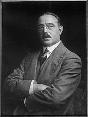 Harvey Du Cros (1915).jpg