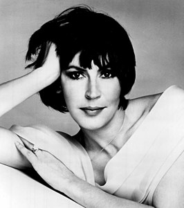 Helen Reddy in 1975