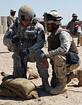 Helping Iraqi army troops put rounds on target DVIDS204189.jpg