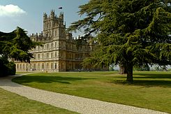 Highclere Castle (April 2011) 2.jpg