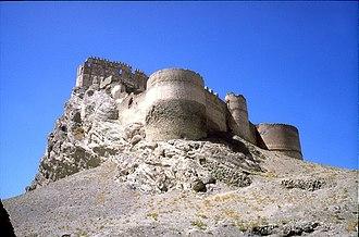 Van Province - Image: Hosap castle (17)