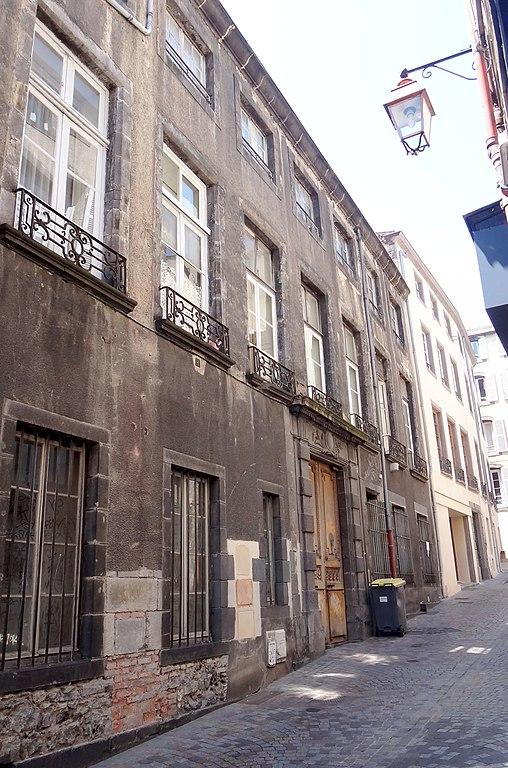 Hotel Rue Gregoire De Tours Paris
