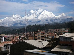Huascaran Huandoy Chopicalqui seen from Huaraz.JPG