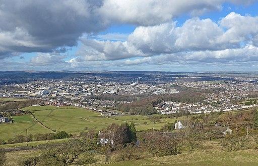 Huddersfield, from Castle Hill (16578652856)
