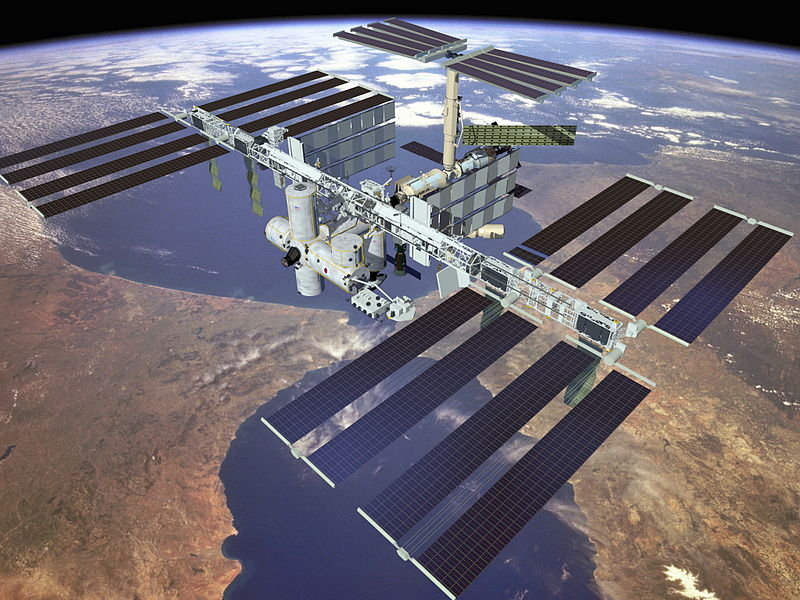 File Iss Solar Arrays Jpg Wikimedia Commons