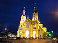 Iglesia San Francisco de Castro en la noche.jpg