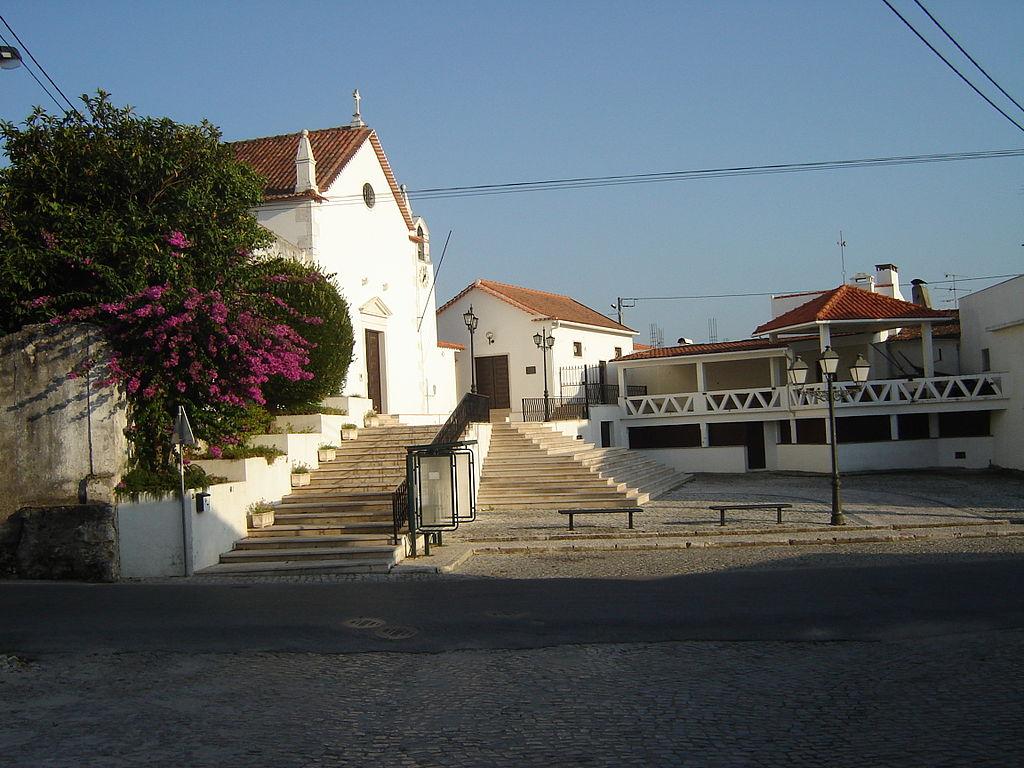 Igreja Póvoa Cós Alcobaça.jpg