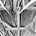 Interieur, kapconstructie in de richting van de koorsluiting - Moerkapelle - 20272873 - RCE.jpg