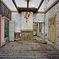 Interieur smederij, overzicht woonkamer met schouw, tijdens werkzaamheden - Alblasserdam - 20371697 - RCE.jpg