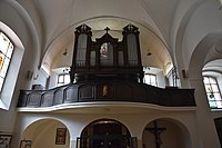 Interior of the Church of the Finding of the True Cross (Brno) 05.jpg