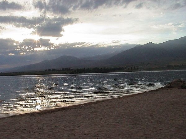 Issyk Kul at sundown.jpg