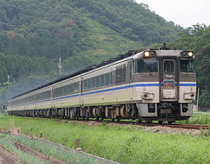 KiHa 181 series - KiHa 181 series on a Hamakaze service, August 2009
