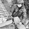 Jongeman toont slecht onderhoud aan dak - Amersfoort - 20010491 - RCE.jpg